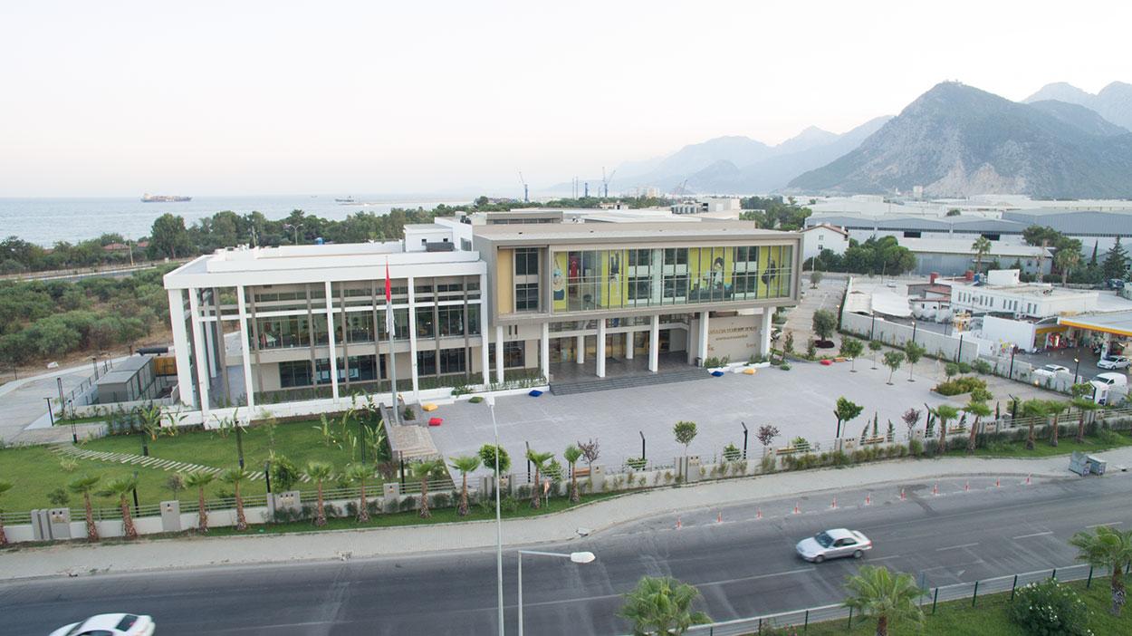 İstek Okulları Antalya Yeditepe Konyaaltı Ortaokulu