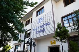 Mor Tahta Anadolu Lisesi